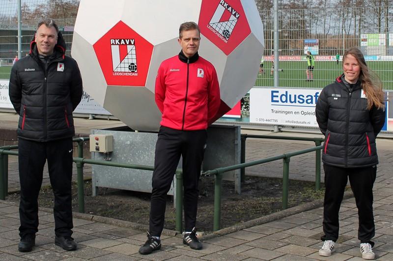 Van der Wijngaard en Verschoor in RKAVV-jubileumjaar trainersduo Vrouwen 1