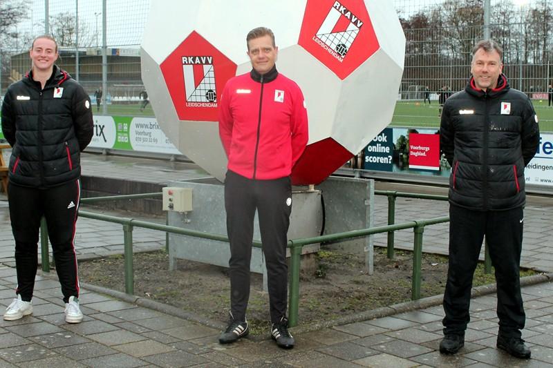 Van Leeuwen en Verschoor in RKAVV-jubileumjaar trainersduo MO17-1